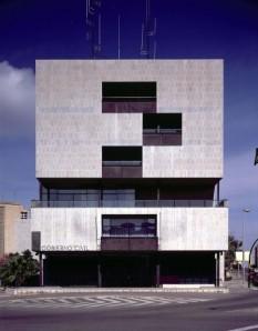 Alejandro de la Sota rompe nos anos sesenta co clasicismo da arquitectura institucional